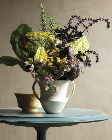 Holiday home decor by apartment 46 for Martha stewart floral arrangements