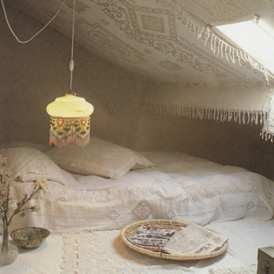 Crochet-White-Room
